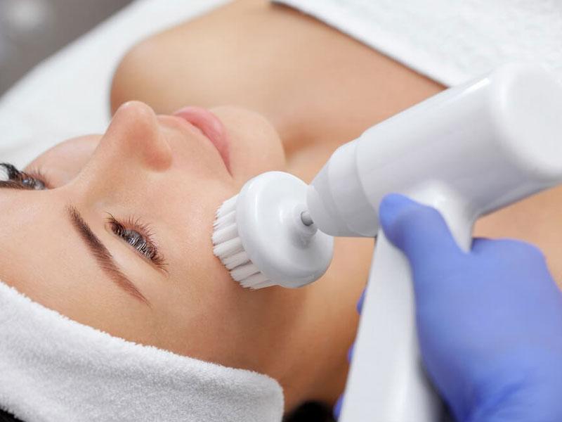 Nettoyer la peau du visage